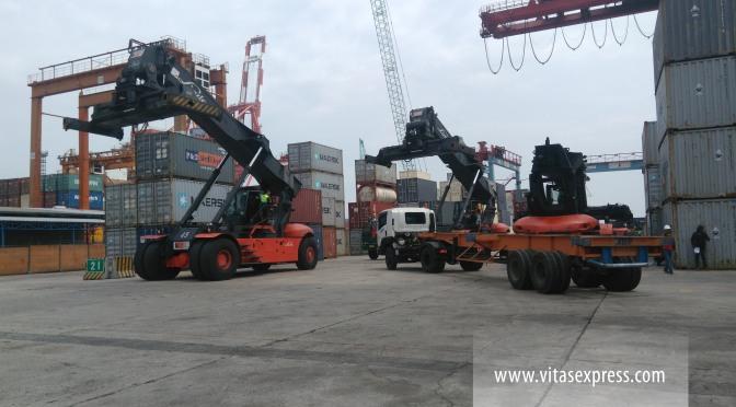 Handling Pelabuhan Tanjung Priok Jakarta