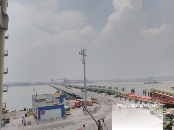 Handling Pelabuhan Teluk Lamong Surabaya
