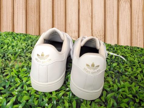 Sepatu Putih Adidas Casual Sneakers